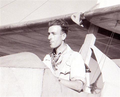 Jan Sevenants in de SG-38 met gesloten cockpit (detail). (02.10.1948)