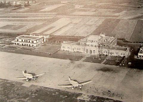 Het vliegveld van Haren / Evere begin van de jaren '30. Heden staat hier het hoofdkwartier van de NATO.