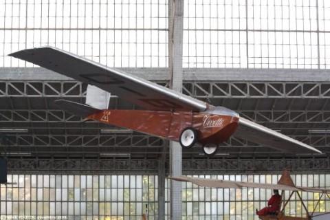 De gerestaureerde Poncelet Vivette in het luchtvaartmuseum te Brussel